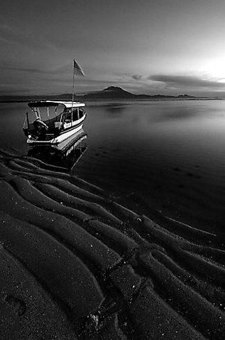 Foto Pantai Sanur di pagi hari dengan menggunakan lensa wide 12-24mm
