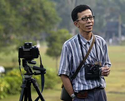 Aryono Djati With His Horizon Panorama Camera And Leica M